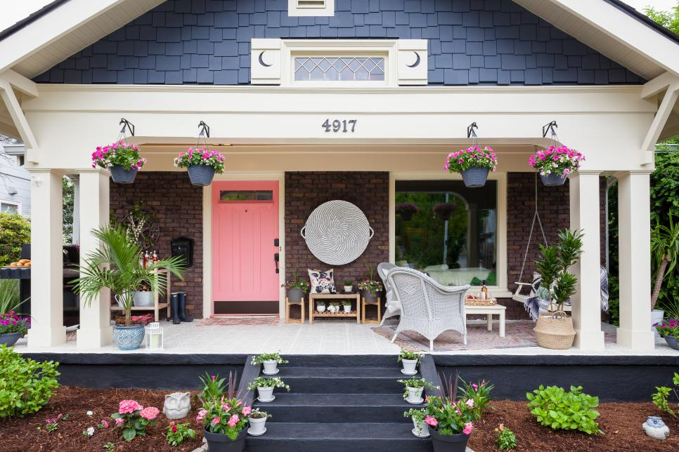 Simple Tips to Style Your Front Porch like a Pro!