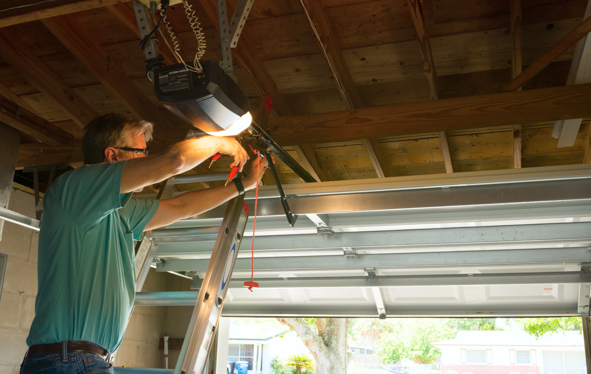 Everything to Consider When Choosing a Garage Door Company