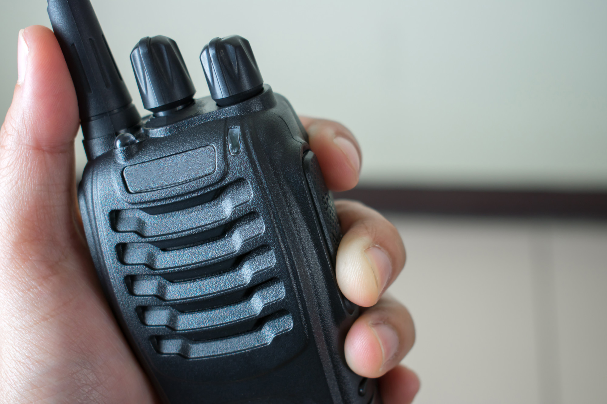 5 Tips for Using a Handheld Radio for Your Business