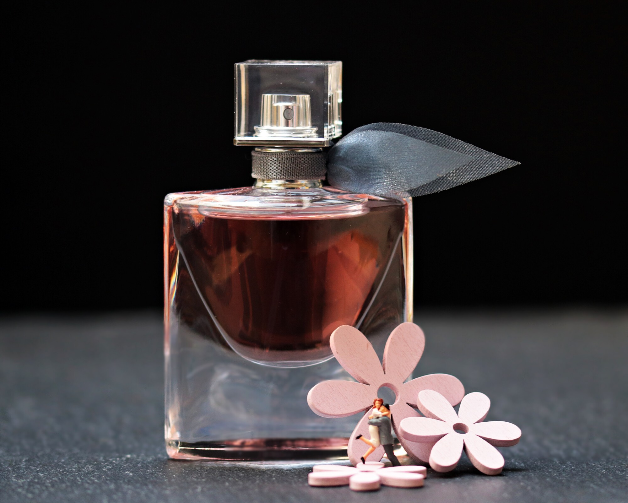 Smell Great All Day: Perfume Dos and Don'ts